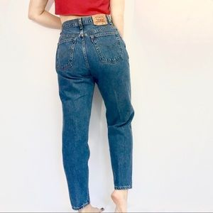 Levi's High Waisted mom jeans size 30""